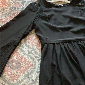 Black Lace Bell Sleeve 🦅 Dress